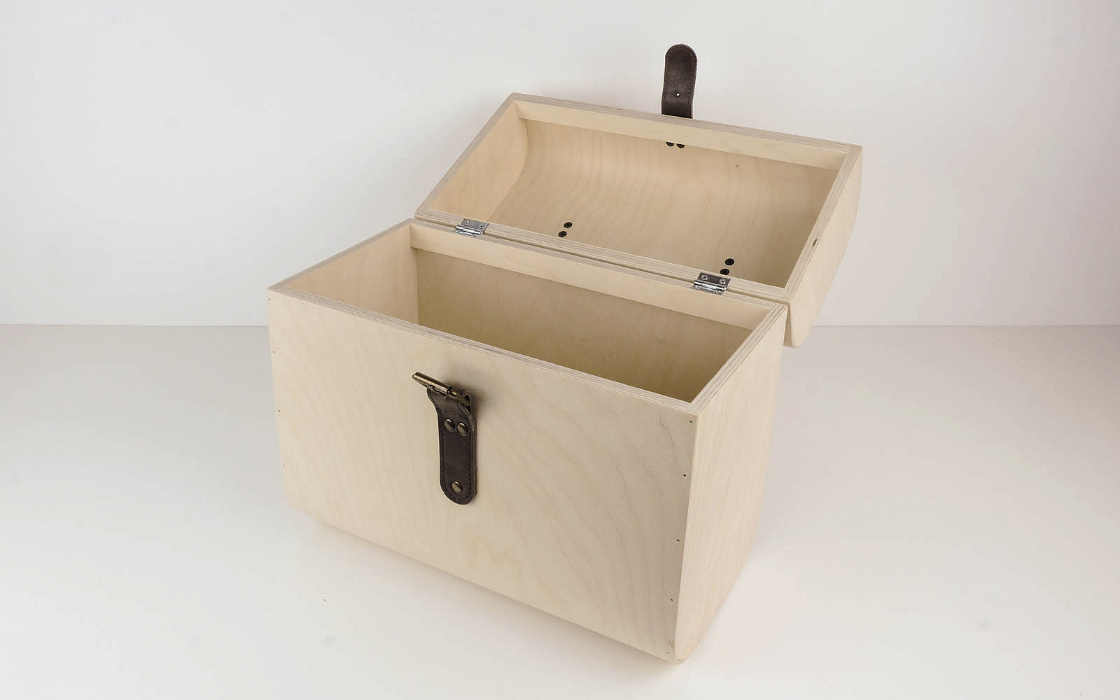 Wooden suitcase, plywood case